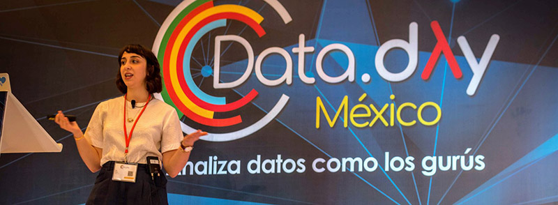Eva Sasson at Data Day Mexico